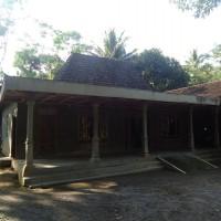 PN Klaten: Sebidang tanah dan Bangunan SHM.No.975, luas 1.243 M2 Desa/Kel Bandungan, Kec.Jatinom, Kab.Klaten