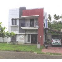 Sebidang tanah luas 287 m2 berikut bangunan SHM No 01328 di Perum Green Hill Residence Blok D No.08 Minahasa Utara