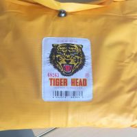 WGR (14): 1 (satu) unit Jas Hujan warna kuning Merk Tiger Head (KONDISI BARU)
