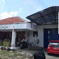 Tanah dan bangunan diatasnya sesuai SHM No.2/K Kelurahan Tegalsari ,LT.1.010 m2 terletak di Jl.Kedondong No.20 Surabaya