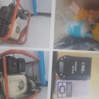 KEJARI CIBINONG 6 = 1 buah timbangan elektrik, 2 tabung gas ukuran 3kg dan 12kg, 1 unit kompresor, dijual apa adanya