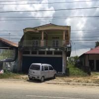 Sebidang tanah seluas 1.459 M2 (SHM No.4030) dan bangunan terletak di Jalan Propinsi Kelurahan Babulu Darat, Kec Babulu, Kab PPU