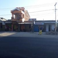 1. (Bank Sampoerna) tanah berikut bangunan (SHM No.01662) Luas tanah 131 m2, di Kel/Desa Padang Subur, Kec. Ponrang, Kab. Luwu
