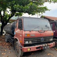 b. KPP Lhokseumawe, 1 (satu) unit Truk Tangki Aspal Merk Nissan Tahun 1990, Nomor Polisi B 9397 MN, tanpa BPKB dan STNK (Sitaan).