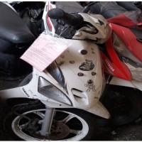 Kejari Padang (4) Satu unit Sepeda Motor Merk Yamaha  Mio warna putih tanpa plat Nopol, dgn kunci kontak, tanpa STNK dan tanpa STNK BPKB