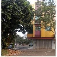 William Pojan(Pemegang HT) tanah+bangunan SHGB No.04586, luas 98 m2, Komplek Ruko Malibu Blok D No.8,Jl.Pahlawan Seribu BSD City Tangsel