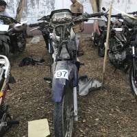 1 (satu) unit Motor No. Lot 129 Merek Honda Tipe SUPRA No Rangka MH1KEV6172K032999 No Mesin KEV6E1063164 Tahun Pembuatan 2002 BPKB ADA