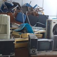 BPFK Makassar: 1 Paket Barang Inventaris Kantor dengan kondisi rusak berat berupa Stopwatch,Mesin Ketik,Brandkas, dan Inventaris lainnya