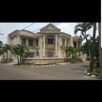 Tanah & bangunan diatasnya dengan SHM No.7163 LT.357 M2 & SHM No.1998 LT.162 M2 ,di.Jl.Babatan Pratama Kel/Kec.Wiyung Surabaya