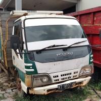 1. KEJARI KUTIM I - 1 unit mobil Dump Truck Isuzu Elf Nopol KT-8517-RD dan 297 keping = 6,7864 M3 kayu olahan jenis ulin (dijual satu Paket)
