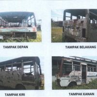 1 paket Bus Medium sebanyak 9 unit dalam kondisi rusak berat/scrap (besi tua)
