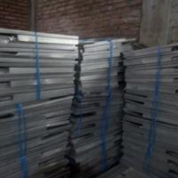 [KPUPdPj] 1 (satu) Paket Scrap Kotak Suara Berbahan Aluminium dengan berat 1.519 kg, dan Bilik Suara Berbahan Kardus dengan berat 332 kg