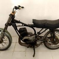 Kejari PALI Lot 6: Sepeda motor Yamaha RX King Nomor Polisi tidak diketahui, Tahun pembuatan : tidak diketahui, Tanpa BPKB dan Tanpa STNK
