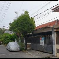 1 paket berupa 2 bid.tanah dan bangunan diatasnya(SHM no.7383 LT.216 M2&SHM no.7997 LT.126 M2),terletak di.Jl.Mojo Arum, Gubeng Surabaya