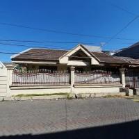 Sebidang tanah & bangunan ruko SHM No.2995, LT 302m2 terletak di Kelurahan Dukuh Sutorejo, Kecamatan Mulyorejo, Kota Surabaya