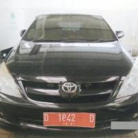 PMN RS MATA CICENDO : Mobil Toyota Innova G No. Polisi D 1842 D Tahun 2006 Kondisi Rusak Berat