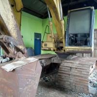 ADK_Satu paket alat berat 6 unit berupa Buldozer, Excavator, Vibration Roller, Road Roller kondisi rusak