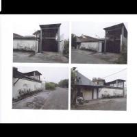 Sebidang tanah dan bangunan diatasnya sesuai SHM No.284,LT. 552 M2 terletak di Kutisari Selatan XIII,Rungkut,Surabaya