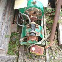 Kejari Sambas : 10. 1 (satu) buah  mesin diesel merk WEKO dan WUJIN 2 (dua) unit Pompa air merk Super gajah (keadaan rusak)