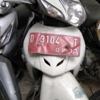 BPKAD Cmh : Honda NF 100 SLD Th 2006 Nopol D 3104 T (BPKB Nopol D 5389 S) Warna Putih Tanpa STNK