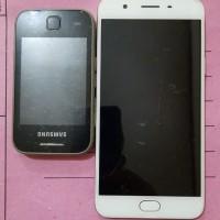 [KjriPyk] 1. 1 (satu) unit Handphone merk Oppo warna putih, 1 (satu) unit Handphone merk Samsung warna hitam hitam