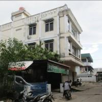 Bank MANDIRI (4) : 3 T/B, SHM, Jl. Hidayat No. 121, Kel. Benua Melayu Darat, Kec. Pontianak Selatan, Kota Pontianak