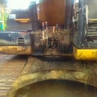 2. Kejari Tanah Laut-1 (satu) unit Excavator merk CATERPILLAR model 320 warna kuning Nomor Seri : CAT0320320DPDFM01121. kondisi apa adanya