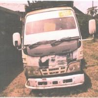 Kejari Ketapang 3: 1 (satu) unit truk Isuzu dan kayu olahan