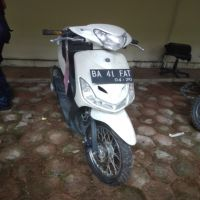 (Kejari Solok Selatan) Lot 2. 1 (satu) unit sepeda motor jenis Yamaha Mio warna putih hitam BA 41 FAT  STNK dan BPKB tidak ada