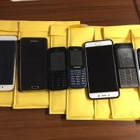 Lot 1 Rampasan KPK:  1  paket terdiri dari 7 HP yaitu 3 HP Samsung , 2 HP Nokia, 1 HP. Oppo dan 1 HP Xiaomi,