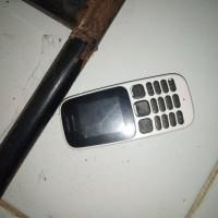 Satu buah Handphone Nokia kecil warna Hitam Putih (Kejari Takalar)
