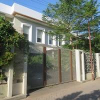 KURATOR ABU TOURS-8 : 1 (satu) bidang tanah luas 828 m2, dan bangunan diatasnya, di Jln. Tanggul Patompo I No.5, Makassar