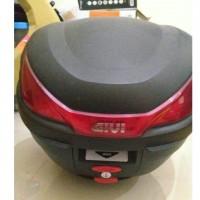 [Sukarela]1 unit Box givi ukuran sedang include bracket untuk Honda Tiger Revo