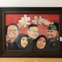 Lot 5 : Lukisan Bea Cukai, pigura kayu 117 x 88 cm