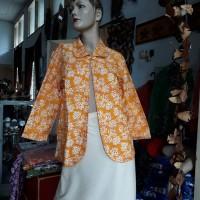 1 (satu) buah Blazer Batik Warna Orange