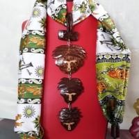 1 (satu) buah scraf Batik warna Putih Hijau + Aksesoris  Merek Sang bayu Handy craft