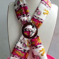 1 (satu) buah Scraf Batik Manado Warna Putih kombinasi Pink Merek Sang bayu Handycraft