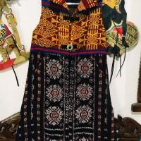 Ita Selaras : Outer Tunik Wanita Tenun Sabu  kombinasi Tenun Pahikung dari NTT Flores & Sumba