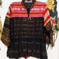 Ita Selaras : Model Blazer /Blus Wanita Tenun Ende kombinasi Tenun Buna dari NTT Flores