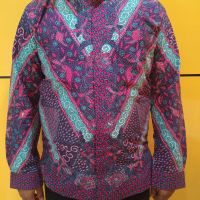 UMKM : Satu paket Batik Khas Madura, terdiri 2 kemeja ukuran L, dan 1 kemeja ukuran XL