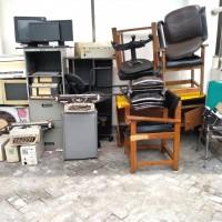 KEJARI Ponorogo - Satu paket barang terdiri paket meubelair, paket barang elektronik & paket mesin ketik