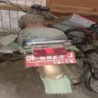 Lot. 4. 1 unit Sepeda Motor Suzuki A 100 X Tahun 1996, Nomor Polisi  DD 6823 J, di Kemenag. Tana Toraja