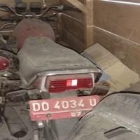 Lot.7. 1 unit Sepeda Motor Suzuki A100 X Tahun 1997, Nomor Polisi  DD 4034 U, di Kemenag. Tana Toraja