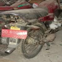Lot. 12. 1 unit Sepeda Motor Suzuki A100 X Tahun 1997, Nomor Polisi  DD 6900 U, di Kemenag. Tana Toraja