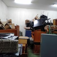 PTKRN-BATAN : 1 (satu) Paket Barang Inventaris Kantor berupa Lemari Besi dll dalam kondisi Rusak Berat.