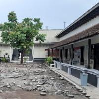 Polda Jateng_Satu paket BMN berupa material bongkaran terdiri dari 11 unit bangunan untuk dibongkar