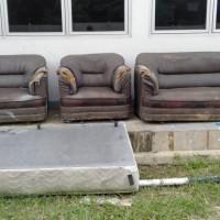 1 (satu) paket Barang Milik Negara berupa barang inventaris sejumlah 612 unit (kondisi rusak berat) milik BBPLK Serang