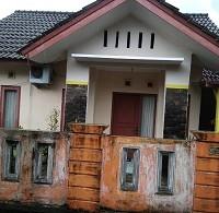 4. PT. Bank Mandiri RRCR Region II/Sumatera 2 Sebidang tanah dan bangunan Luas Tanah 121 M2 SHGB No. 422