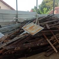 1 (satu) Paket Bongkaran gedung/bangunan Milik Pemda Pandeglang