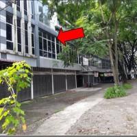 PT. BCA - 3 (tiga) bidang tanah berikut bangunan Ruko dalam 1 (satu) hamparan seluas total 180m2
